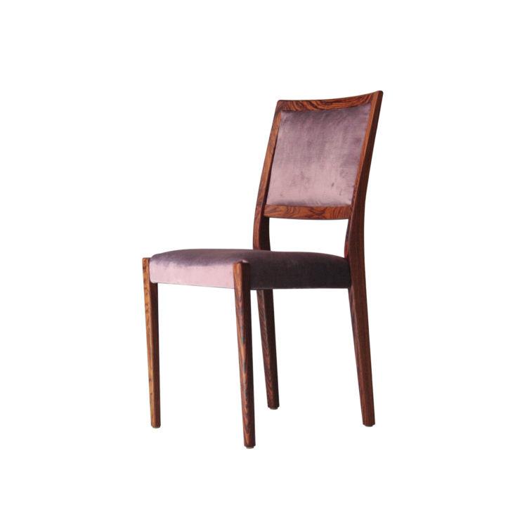 IKB22360110 Conjunto de seis sillas en madera de palisandro tapizadas. Suecia, 1960-1